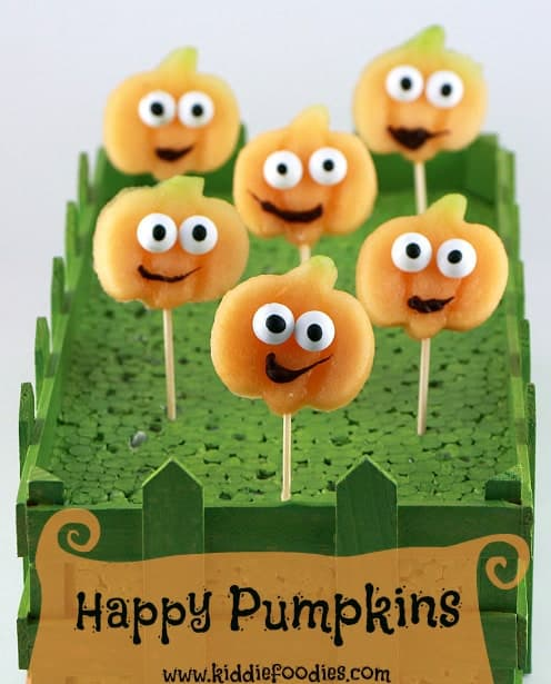 Happy-pumpkins-Halloween-party-food-ideas-title