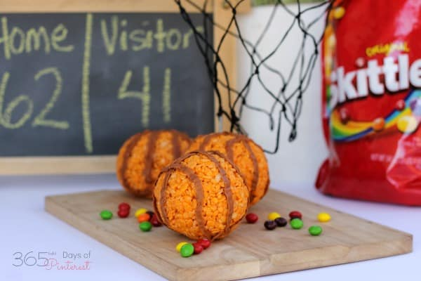 These Rice Krispie basketballs make a great treat for any tournament party or game day!