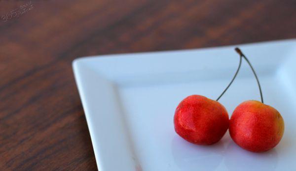 Rainier cherries pair