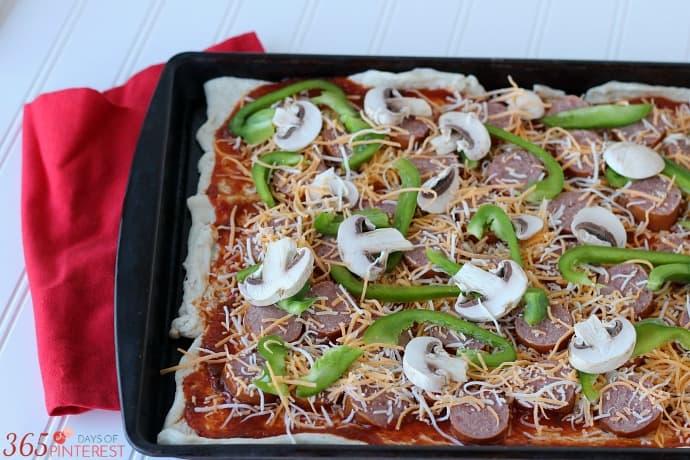 kielbasa pizza