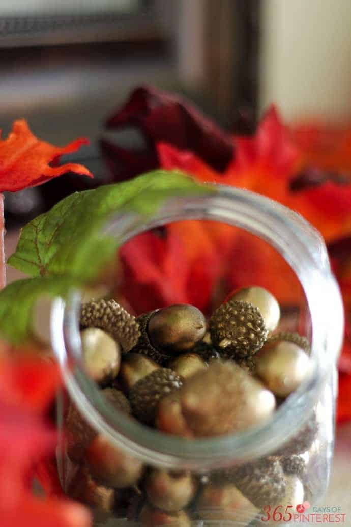 fall-decor-acorn-jar
