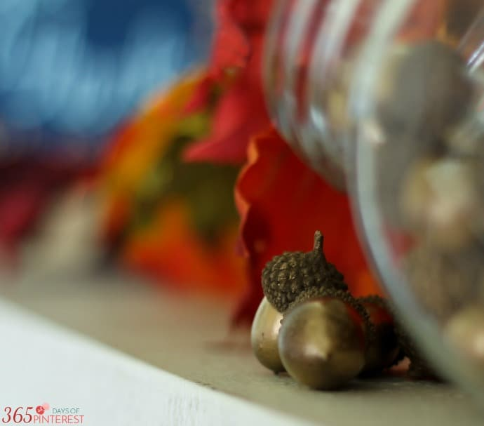 fall-decor-acorns