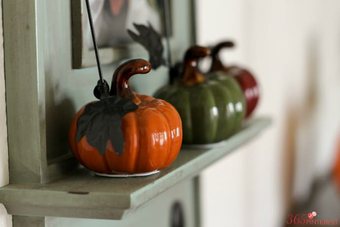 fall-decor-mini-pumpkins