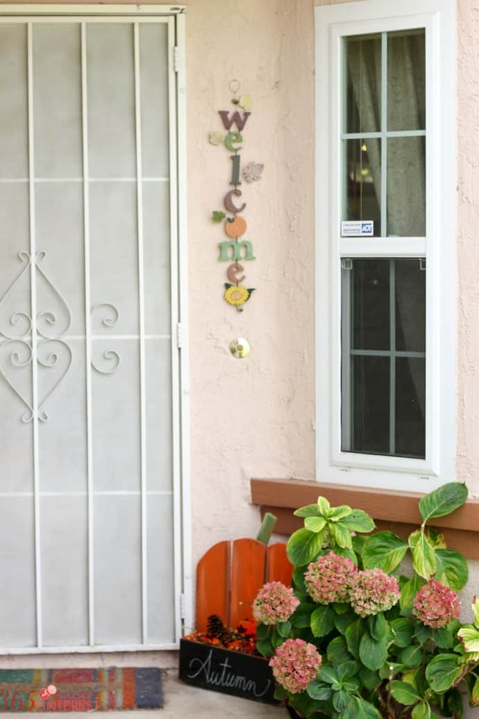 fall-decor-porch