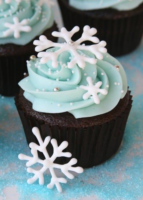 snowflake-cupcakes-2-e1340922822380