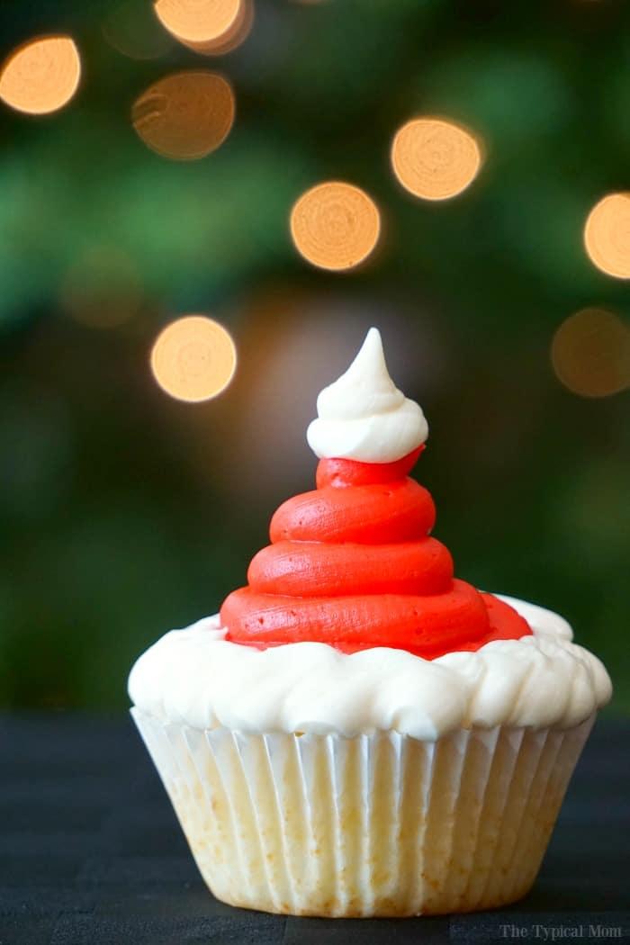 santa-cupcakes
