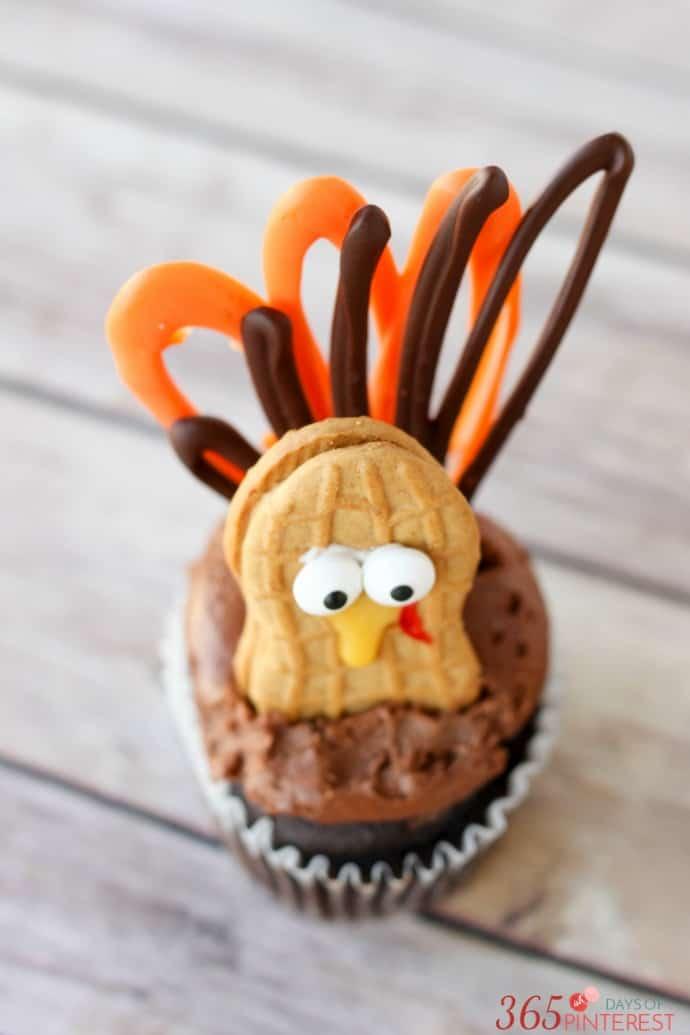 turkey-cupcakes-candy-melt-feathers