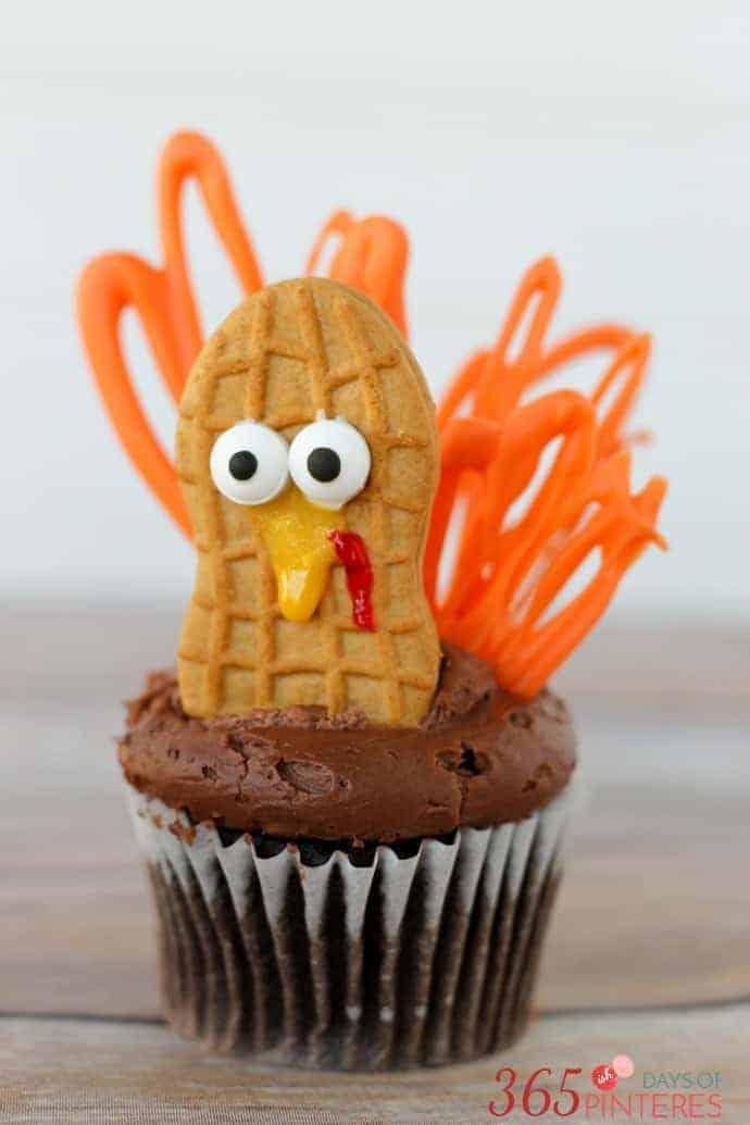 turkey-cupcakes-feathers